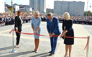 Сергей Лукин вДень знаний принял участие воткрытии врегионе двух школ, построенных врамках реализации нацпроектов