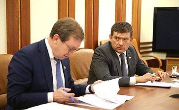 Правительственное совещание сучастием Н. Журавлева иА. Майорова