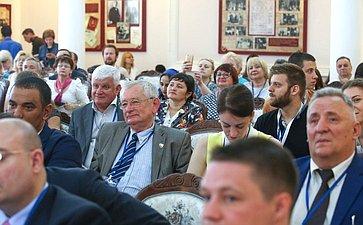 Заседание секции «Российские изарубежные некоммерческие организации культурно-гуманитарной направленности: механизмы имодели взаимодействия»