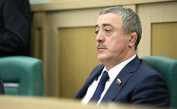 А. Фадзаев