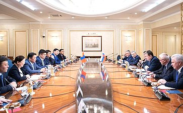 Встреча сПредседателем Великого Государственного Хурала Монголии М. Энхбодом