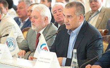 Глава Крыма С. Аксенов