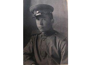 Леонид Воробьев (1925–1985). Служил вразведке. Младший сержант. Выполнял задания залинией фронта. Был дважды ранен, домой вернулся накостылях. Отец заместителя Председателя СФ Ю.Воробьева