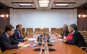 Встреча Константина Косачева счленом Исполкома Организации освобождения Палестины Хананом Ашрауи