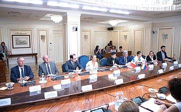 Встреча Дмитрия Мезенцева спредседателем Комиссии повопросам экономики Сената Французской Республики Софи Прима