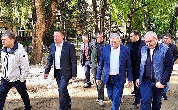 Анатолий Артамонов совершил рабочую поездку вСтавропольский край иознакомился сходом строительных работ наряде объектов Кисловодска
