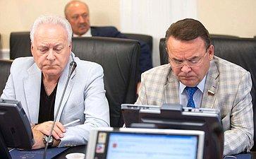 А. Лисицын иР. Зинуров