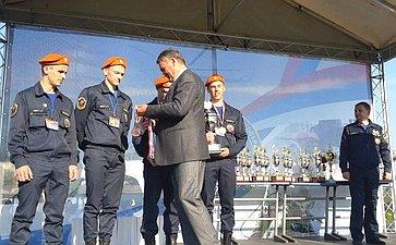 Ю. Воробьев вручил награды победителям Всероссийской олимпиады профессионального мастерства