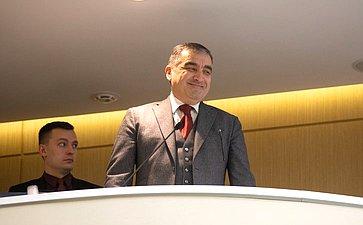 Олег Хацаев