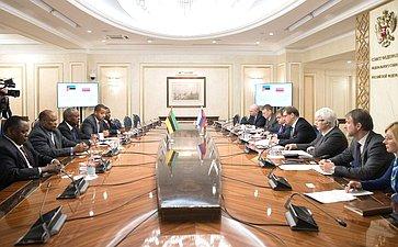 Встреча К.Косачева спредседателем Комиссии поплану ибюджету Ассамблеи Республики Мозамбик Э.Комише