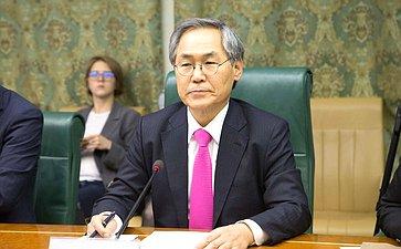 Встреча В. Джабарова сПослом Республики Корея вРФ УЮн Гыном