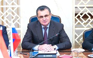 Встреча Н.Федорова сМинистром внешних экономических связей ииностранных дел Венгрии П.Сийярто