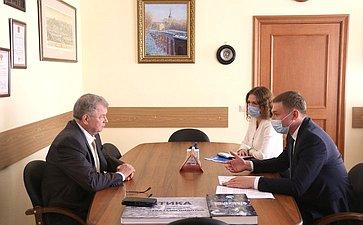 Анатолий Артамонов провел рабочую встречу сПредседателем Правительства Республики Хакасия Валентином Коноваловым