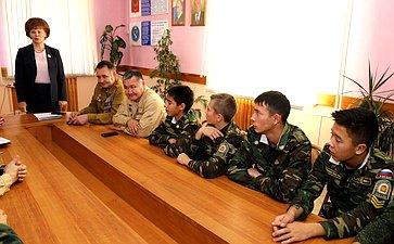 Татьяна Гигель провела «Урок мужества» вшколе-интернате №1 имени Г.К. Жукова