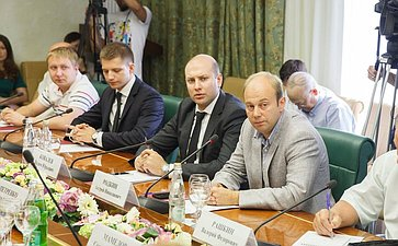 25-07-2014 Cовещание Комитета общественной поддержки жителей Юго-Востока Украины по вопросу оказания помощи беженцам 3