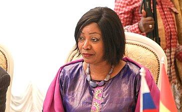 Встреча В. Матвиенко ссупругой Президента Гвинейской Республики Джене Кабой Конде
