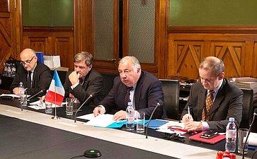 В. Матвиенко иПредседатель Сената Парламента ФранцииЖ. Ларше обсудили межпарламентское сотрудничество