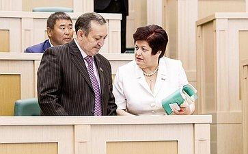 Ильяс Бечелов и Людмила Козлова на 358 заседании Совета Федерации