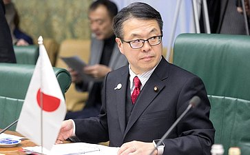 Встреча В. Матвиенко ичленов СФ сПредседателем «Дискуссионного клуба» Палаты советников Парламента Японии Хиросигэ Сэко