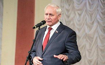 Н. Тихомиров: Работа вологодских поисковиков поустановлению имен погибших солдат заслуживает самой высокой оценки