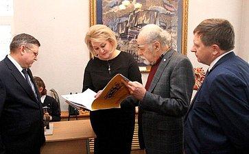 Л. Гумерова передала художественной школе Стерлитамака новое оборудование для обжига керамических изделий