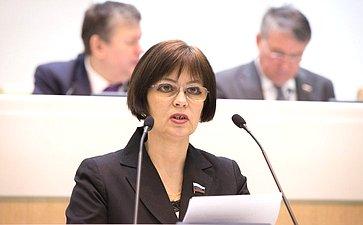 Е. Попова