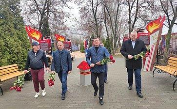 Олег Алексеев вовремя рабочей поездки врегион принял участие вторжествах, посвященных 60-летию содня полета вкосмос Юрия Гагарина