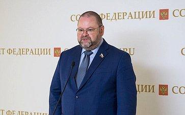 О.Мельниченко: Необходимо установить прямые запреты наразмещение хостелов вцокольных этажах иподвальных помещениях