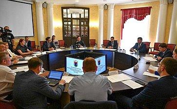 Иван Абрамов иВадим Харлов приняли участие всовещании оходе реализации программы социально-экономического развития Карелии