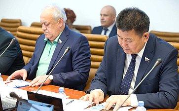 Т. Мамсуров иВ. Мархаев
