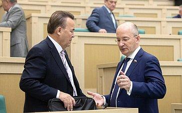 Р. Зинуров иО. Цепкин