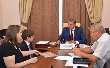 С.Лукин: Важно слышать людей ипомогать им реальными делами