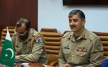 Встреча В. Бондарева сделегацией Университета Национальной обороны Исламской Республики Пакистан