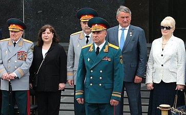 Ю. Воробьев принял участие вцеремонии вручения дипломов выпускникам вузов МЧС
