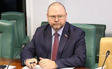 О. Мельниченко: Нужны условия для упрощенного оформления прав граждан нагаражи иземельные участки, накоторых они расположены