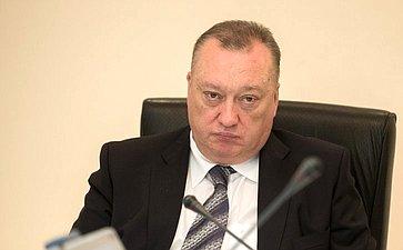 В. Тюльпанов: Нужно обязать судебных приставов выпускать должников заграницу сразу пофакту оплаты долгов