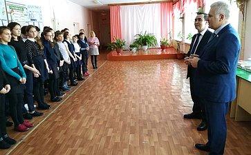 Сергей Мартынов посетил среднюю школу вдеревне Лажъял Сернурского района