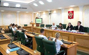 Совет Федерации уделяет особое внимание работе смолодежью, пропаганде здорового образа жизни— Л.Глебова