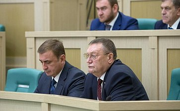 А. Дюмин иС. Харитонов