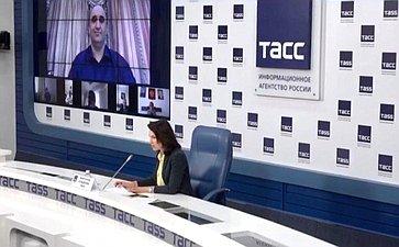 Онлайн-брифинг сучастием членов Совета Федерации, посвященный региональным мерам социальной поддержки населения вусловиях сложной эпидемиологической обстановки
