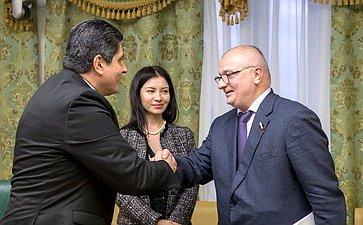 Встреча А.Клишаса счленом Президиума Законодательной ассамблеи Республики Коста-Рика Отто Р. Варгасом Викесой