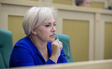 Ковитиди Ольга Федоровна на389-м заседании Совета Федерации
