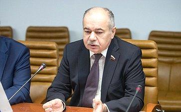 И.Умаханов провел рабочую встречу сЧрезвычайным иполномочным послом Арабской Республики Египет вРФ Ихабом Ахмедом Талаатом Насром
