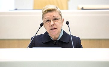 Е. Мизулина: «Отзыв Правительства— нефинальная точка всудьбе законопроекта»