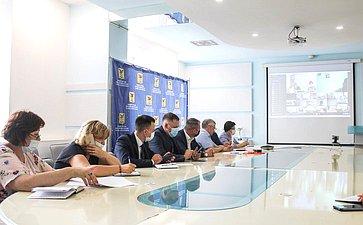 Сергей Михайлов врамках работы врегионе принял участие всовещании повопросам формирования целевой программы капитального ремонта школ