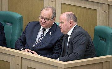 В. Кондрашин иА. Дмитриенко