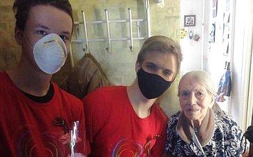 Татьяна Кусайко передала врегион подарки ветеранам войны итруженикам тыла