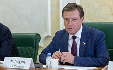 Комитет СФ побюджету ифинансовым рынкам рекомендовал одобрить закон, повышающий социальную доплату неработающим пенсионерам
