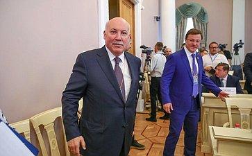 Дмитрий Мезенцев иДмитрий Азаров