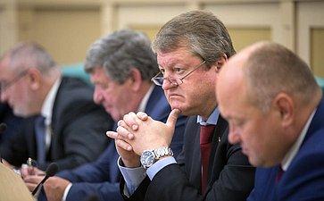 В. Харламов